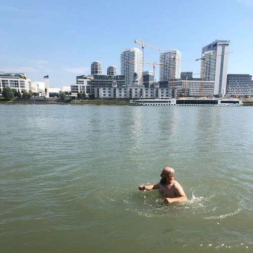 #01 - Kúpanie v Dunaji, legendárna krčma a jazero Guľáška