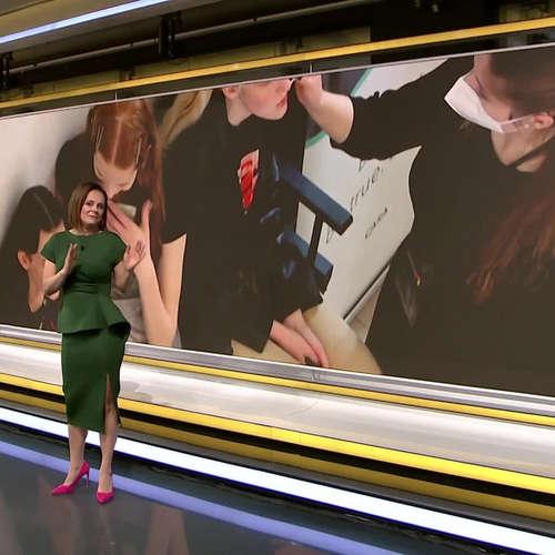 KADEŘNÍCÍ A MAKEUP-UP ARTISTÉ NA FASHION WEEKU (zdroj: CNN Prima NEWS)