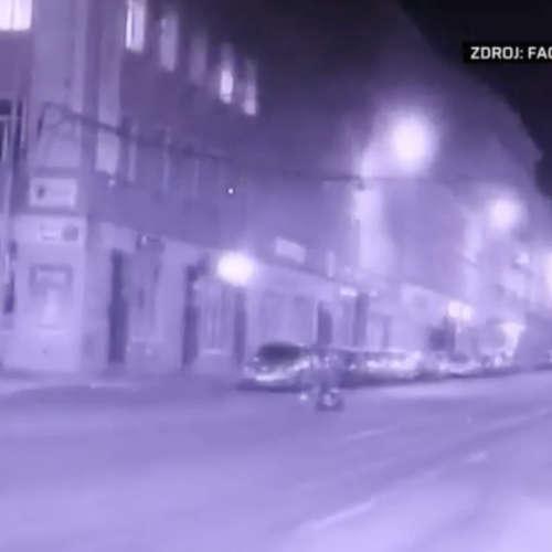 Muž přivítal hlídku městské policie ohňostrojem (zdroj: CNN Prima NEWS)