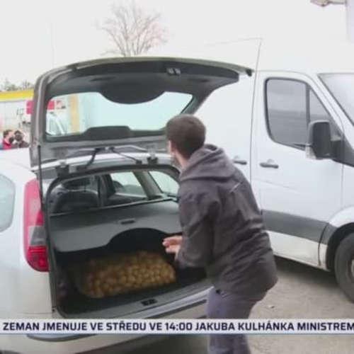 Nájezdy na levné brambory (zdroj: CNN Prima NEWS)