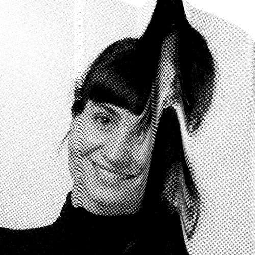 Modeschau - Vyšívané vzpomínky: BRO mění staré fotky na měkké obrazy z nití a látek