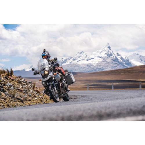 Vojta Lavický: Na motorce kolem světa