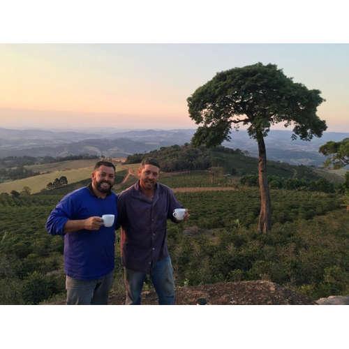 Káva z rukou farmáře: Joao Hamilton, Brazílie - Obata