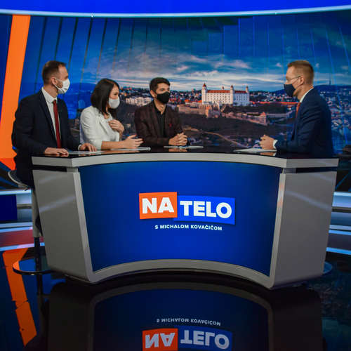 Na telo: Marek Krajčí, Jana Bittó Cigániková, Michal Šipoš a Erik Kaliňák
