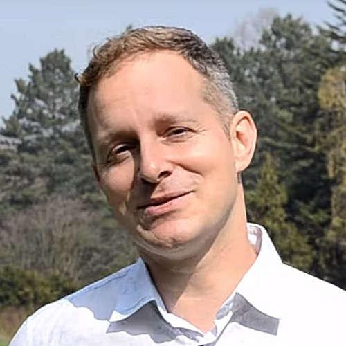 Robert Vlach představuje Na volné noze TV