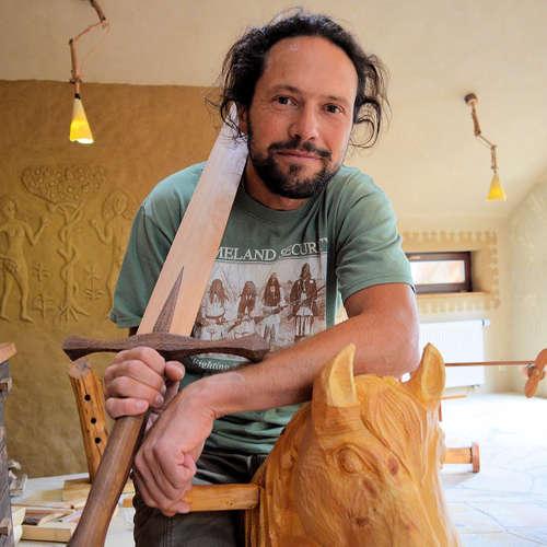 Přírodní bydlení: Jak podniká přírodní stavitel Jakub Gajda