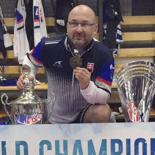 Tréner hokejbalistov: Demitra hral naplno aj s nami, po zápase chodil spať