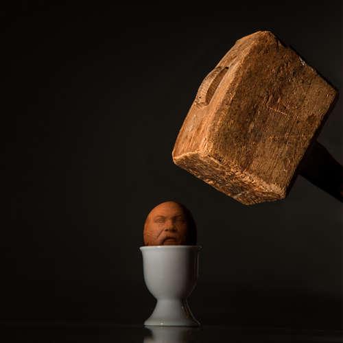 125. Sokrates: Demokracia je krehká vec, poďme voliť. Dlžíme to krajine