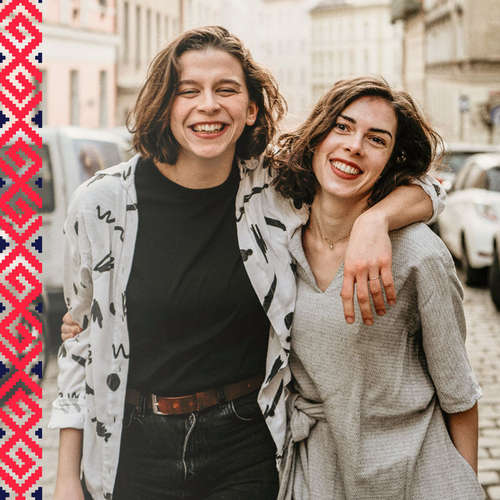 Dve Slovenky v zahraničí, Ivet a Žanet, tvoria Popysky: vtipný profil o ženách a nielen pre ženy