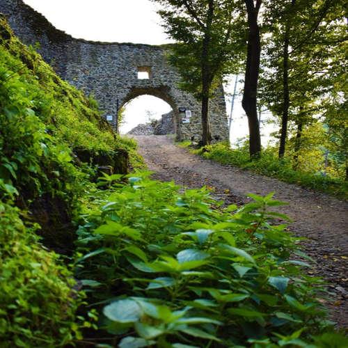 Poď s nami spoznávať hrad Revište! Dobyli alebo nedobyli ho Turci?