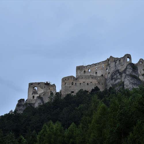 Lietavský hrad, miesto, kde nechytili Jánošíka (Výlety po Slovensku s One2We)