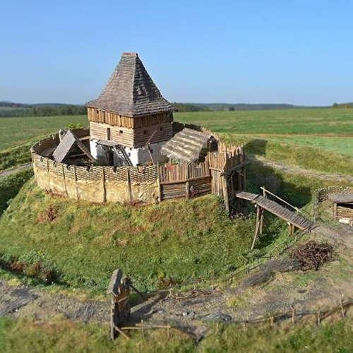 Tajomstvá hradov v okolí Prievidze