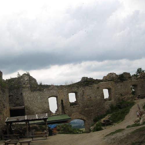 Adrenalinová hojdačka s výhľadom na Lietavský hrad