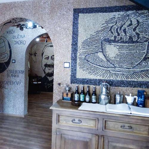 Roman Florek vybudoval unikátne múzeum kávy - Oravakafe
