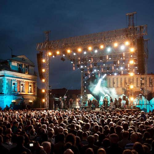 Ako sa organizujú koncerty svetových hviezd na Slovensku? (Podcast Ďura z Hemendexu)