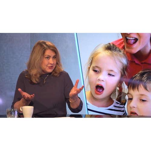 Málo si s dětmi povídáme, pak špatně mluví, řekla v Rozstřelu logopedka