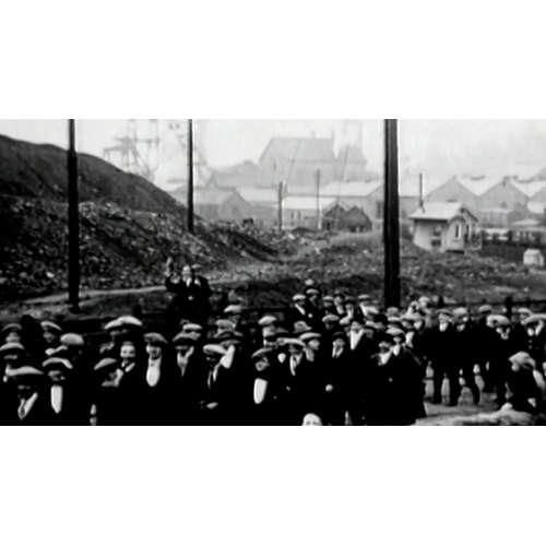 Stávkující horníci zaplavili uhelné doly. Ochromili celou Británii