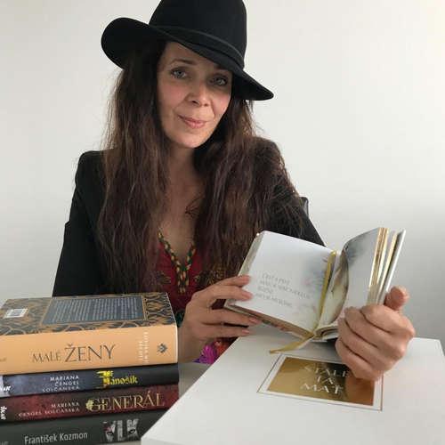 """""""Knihu predáva aj vydarená obálka, titulov na trhu je totiž priveľa,"""" tvrdí knižná dizajnérka Barbara Baloghová"""